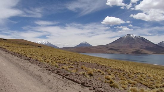 Alto Atacama Desert Lodge & Spa: High lakes at 14000 feet - Great trip for lunch!