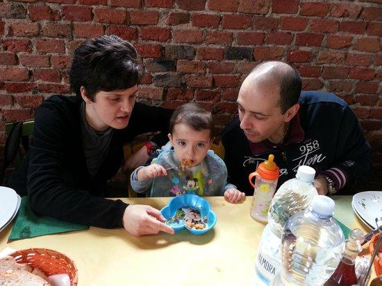 Agriturismo Le Baccane: ...anche i più piccoli hanno la loro bella porzione di spaghetti al pomodoro