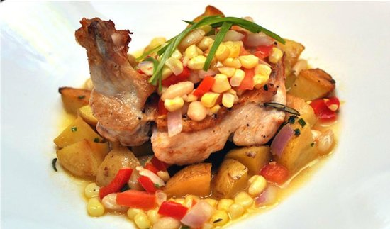 George and Martha's American Grille: Roasted Goffle Farm Chicken- summer succotash, new potatoes & herb butter