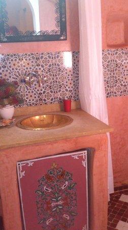 Riad Andalla: BAÑO DE LA HABITACION