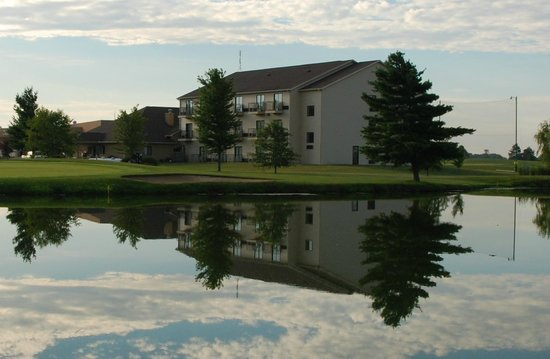 Pana, IL: 37 Room Hotel overlooking hole #5