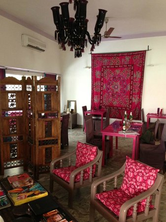 Haveli Hauz Khas: Breakfast and dining area