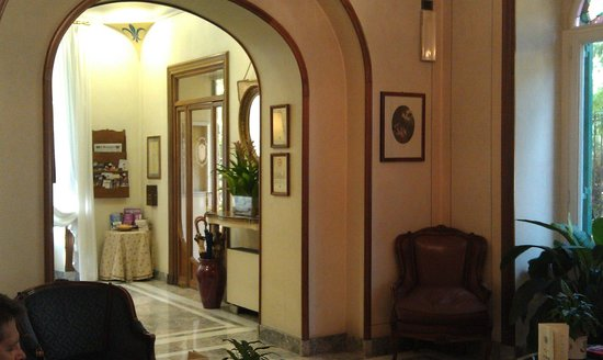 Hotel Farnese: public areas were regal