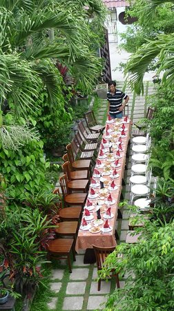Botanic Garden Homestay: Welcome party
