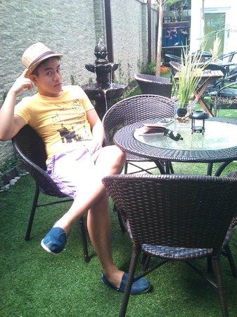 V Garden Hotel: wonderful garden