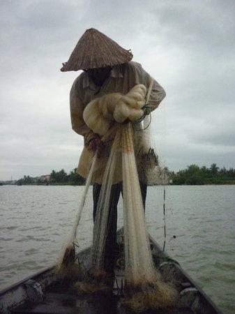 Cinnamon Cruises: Fishing the local way