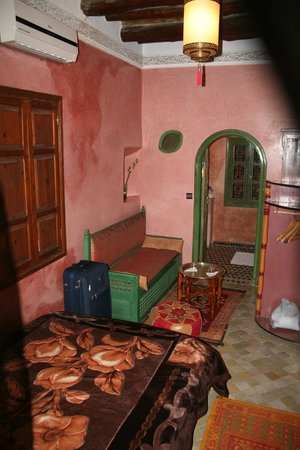 Riad ABHAR : Our bigger room through to bathroom