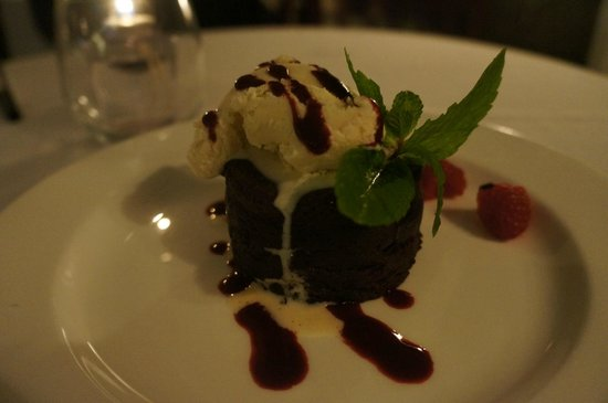 The Pointe Restaurant: LAVA CAKE & VANILLA GELATO. YUM YUM.