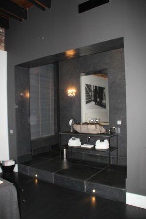 Het Arresthuis : Open badkamer