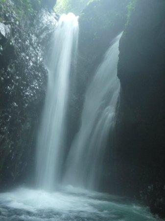 Gitgit Waterfall: Waterfall 1