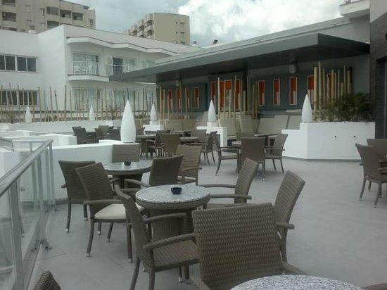 Hotel Riu Nautilus: Piscina