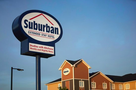 Suburban Extended Stay Hotel Estevan: Hotel Exterior