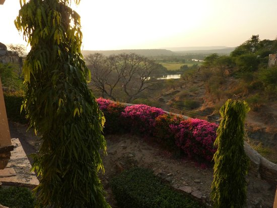 Bhainsrorgarh Fort Hotel : View from Roof