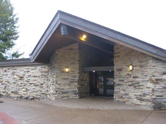 Cumberland Mountain State Park Restaurant Entrance