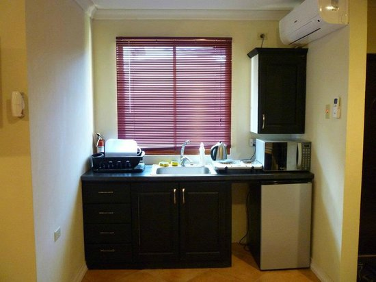 Oasis Guesthouse: My Kitchenette