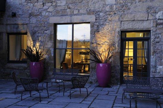 Brooks Hotel Edinburgh: Court yard garden