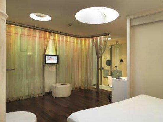 chic&basic Born Hotel: Doble interior