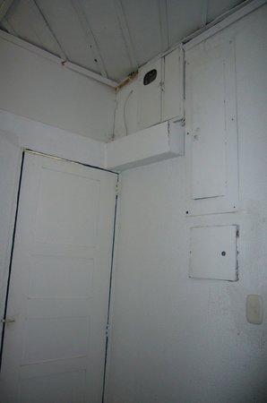 Hacienda Combia: Detalle cuarto de baño de la habitación RR donde llovía desde el techo