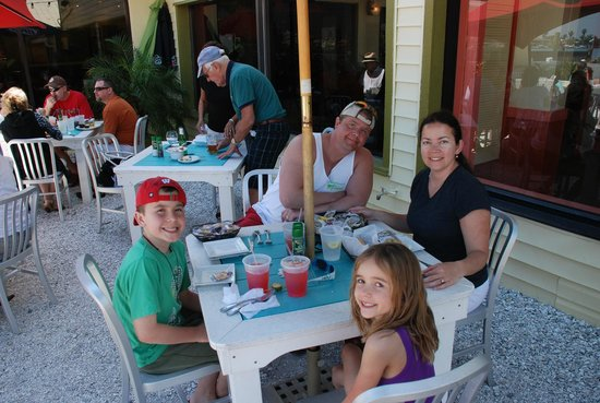 Seabreeze Island Grill and Raw Bar: Family Pic