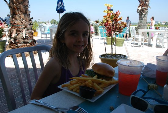 Seabreeze Island Grill and Raw Bar: Marissa with her kids' hamburger meal