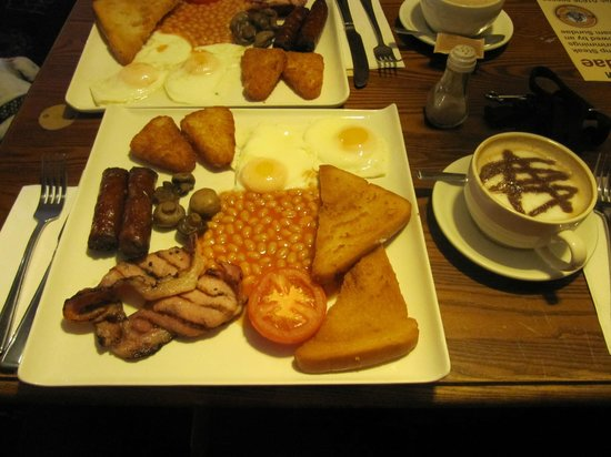 The Boathouse: Cooked breakfast/brunch