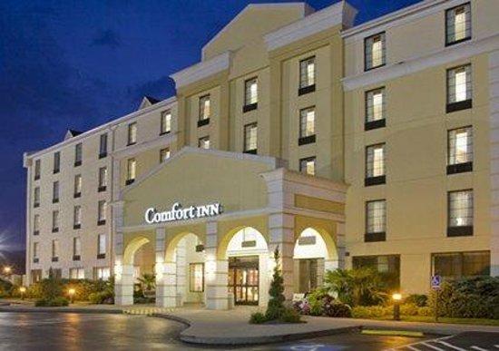 Comfort Inn: Exterior Night Shot