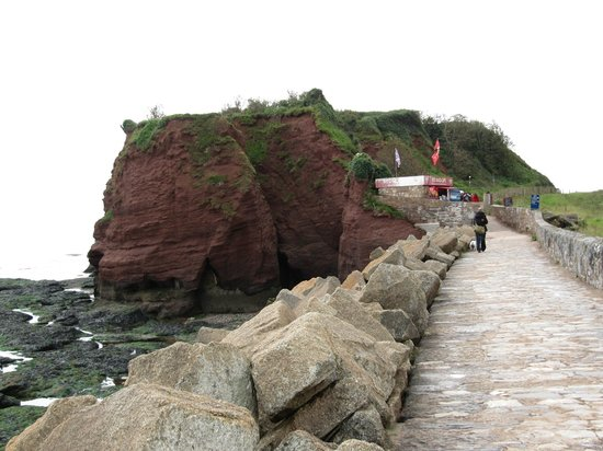 Dawlish, UK : Coastal path with Red rock Cafe
