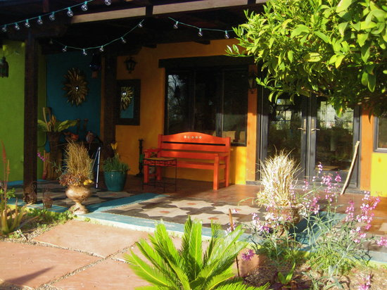 Hacienda Linda: Have a seat, and watch the desert show!