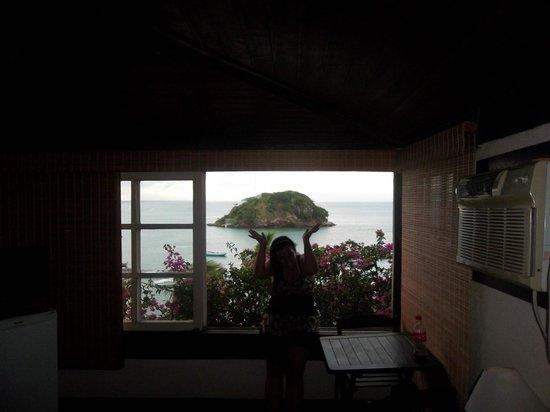 Bardot Apartamentos : Habitación con vista al mar.