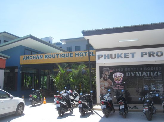 Anchan Boutique Hotel: front desk/lobby