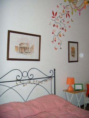 CityRoom Bed & Breakfast: Orange room