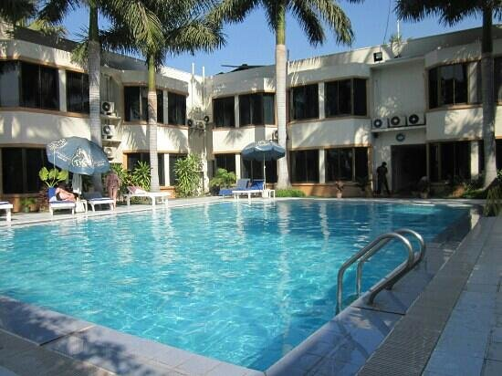 Mandalay Swan Hotel : Garten
