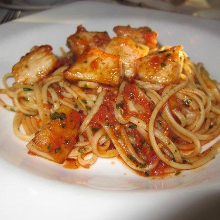 Il Terrazzo Carmine: Spicy Scallop Linguini
