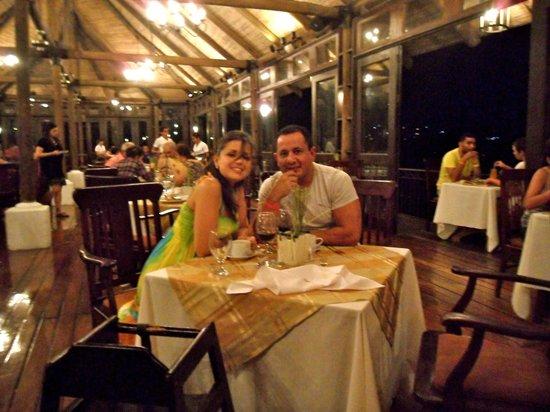 Villas Sol Hotel & Beach Resort: Cena y una magica vista desde el restaurante