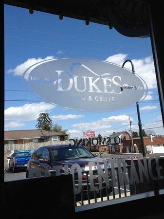 Dukes Bar & Grill: great getaway.