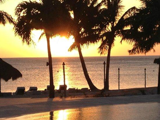 Sugar Beach, A Viceroy Resort: Sunset at Sugar Beach