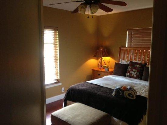 إد لوجآند ريزورت: Bedroom #1
