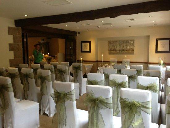 Woodman Inn: Civil ceremony