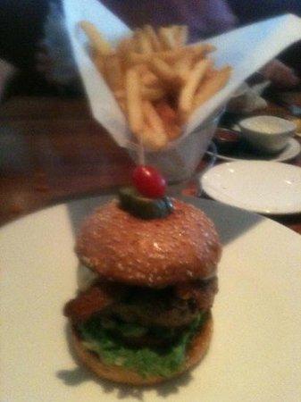 Woodlands American Grill: Preston Burger