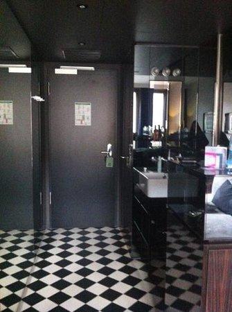 Hotel MANI: wash area