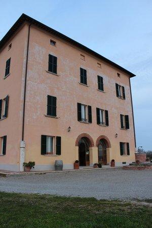 Relais Villa Grazianella - Fattoria del Cerro: the hotel