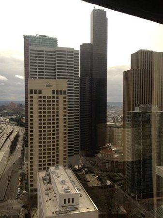 Crowne Plaza Seattle Downtown Area: outside facing I-90