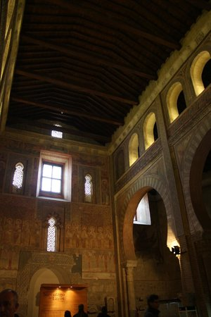 San Roman Church: interior
