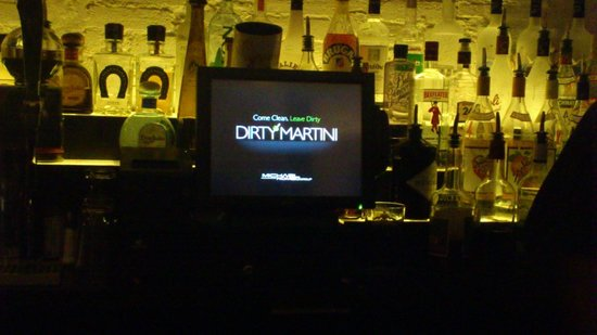Dirty Martini DC: Bar view