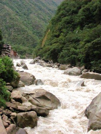 Camino Real Machupicchu: river