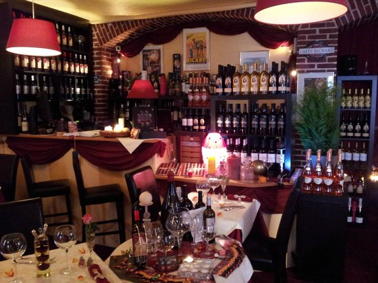 Assiette En Folie: bar