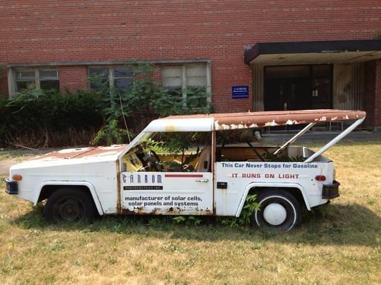 Niagara Science Museum : este carro no consumia gasolina trabajaba con energia solar :)