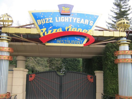 Buzz Lightyear's Pizza Planet: Closed again!