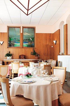 Hotel Restaurant des Lacs : veranda bon appétit