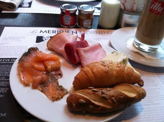 Le Meridien Vienna: breakfast